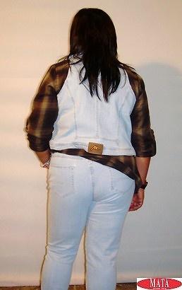 Pantalón vaquero 10248, chaleco 10249, blusa 09845